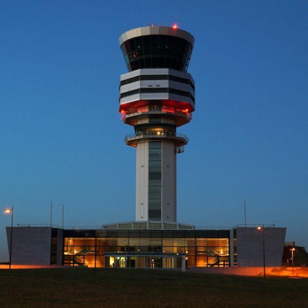 Alternatieve luchthavens voor voordelige vluchten
