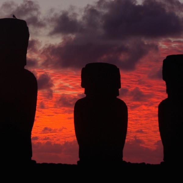Een mysterieuze kennismaking met bestemming Paaseiland