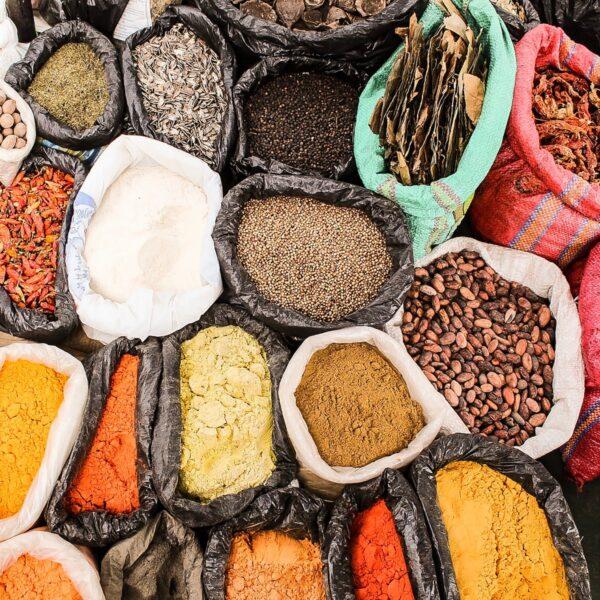 Een kookcursus in Nepal: kruiden en nog meer kruiden