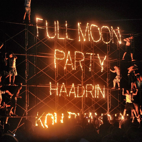 Verbod op full moon party in Thailand. Is het uit met de pret?