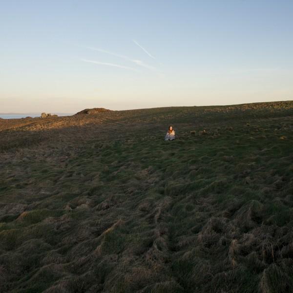 Ilse Wolf brengt afzondering in beeld op het eiland Caldey