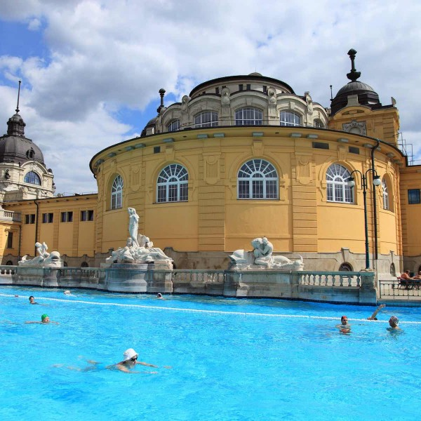 Bubbelen in de badhuizen van Boedapest