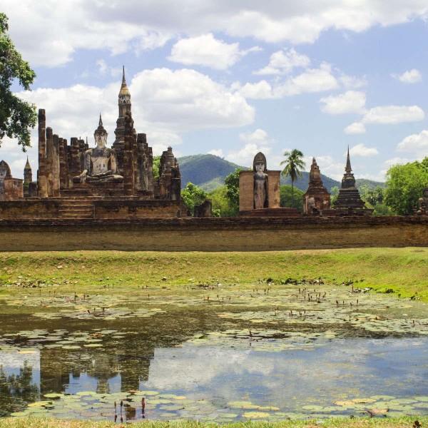 Fietsen door de Thaise tempelstad Sukhothai