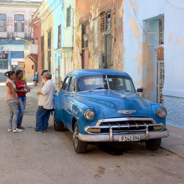 Op de fiets door kleurrijk Havana