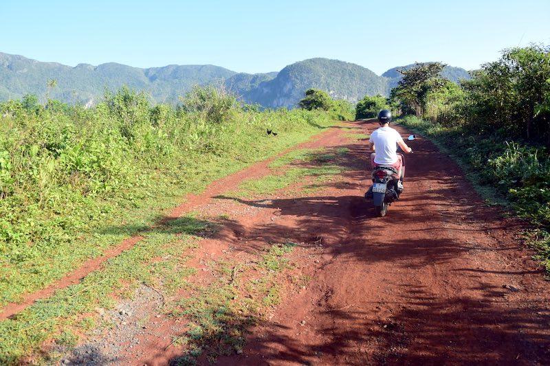 scooter door Viñales