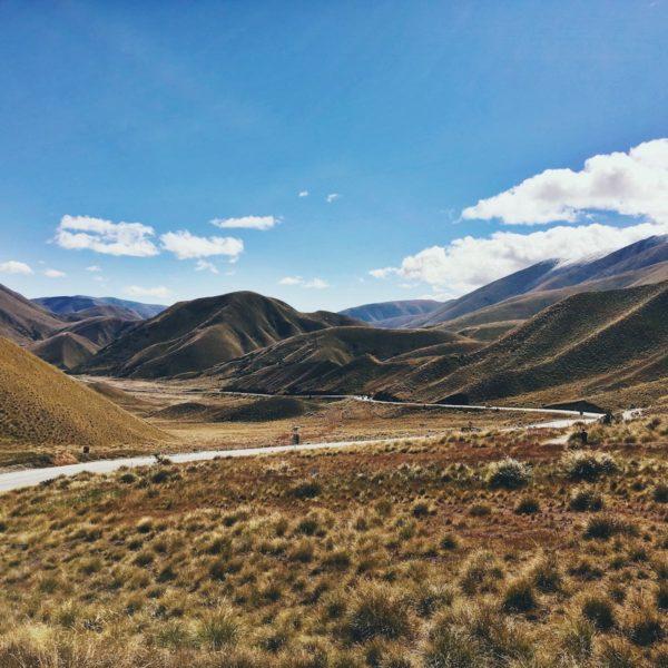 Roadtrippen in Nieuw-Zeeland: Ga zonder camper en overnacht op deze unieke plekken