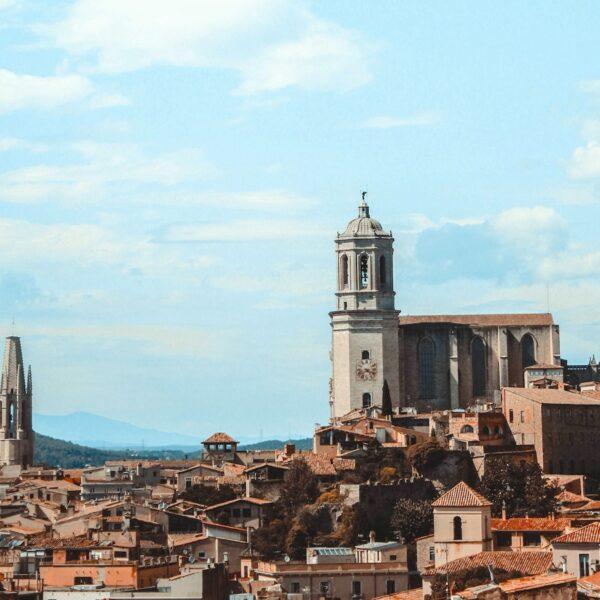 Een stedentrip Girona: Stad én strand in het mooie Catalonië