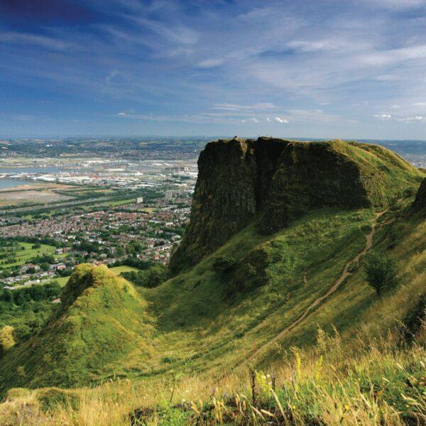 Dagtrips vanuit Belfast: combineer je stedentrip met het mooiste van de Noord-Ierse natuur