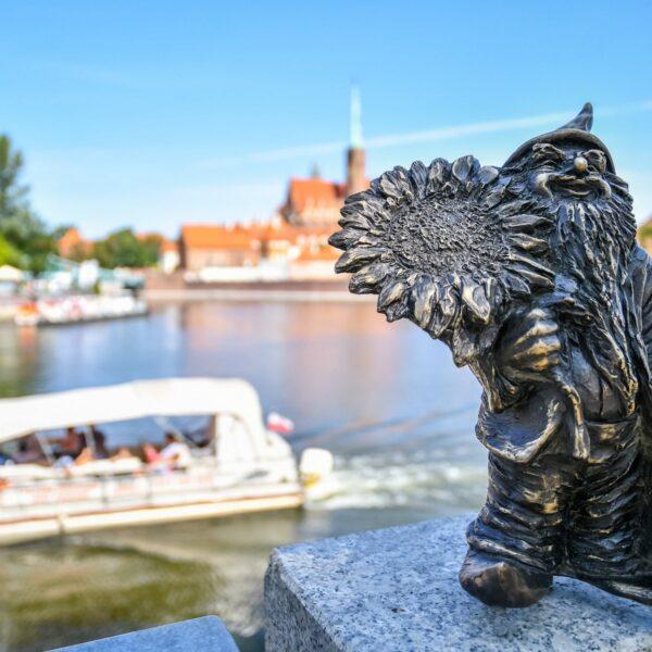 Langs alle bezienswaardigheden in Wroclaw? Volg de kabouters!