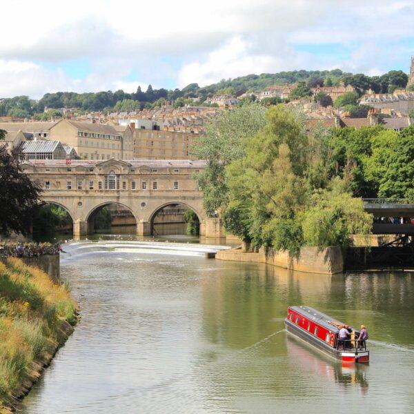 Doen in het Engelse Bath: struinen tussen werelderfgoed en de groene Avon Valley