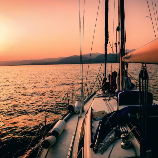 Op vaarvakantie in Griekenland: 3 routes om te eilandhoppen